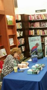 book-signing-in-macon